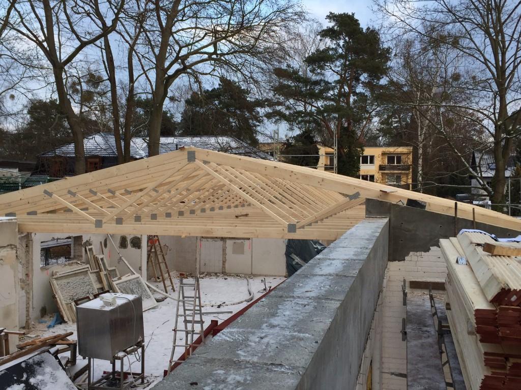 Dachstuhl über Umkleiden fertig 17.01.2017