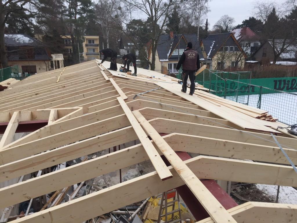 Dach wird gedeckt